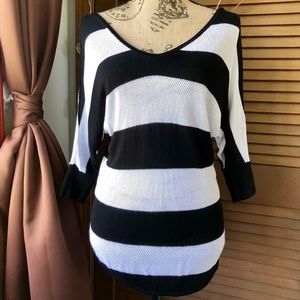 EXPRESS Black White Striped 3/4 Sleeve Top